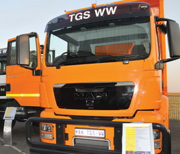 The new MAN TGS WW range is available in 14 derivatives as a truck tractor, chassis cab or tipper and includes vehicles with GVM ratings from 19 to 41 tons.