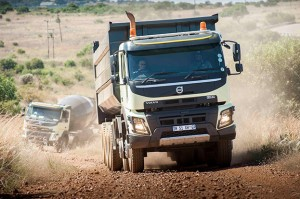 Volvo Trucks has incorporated a number of features in its heavy duty truck range geared to take on the demanding terrain and extreme operating conditions of the African continent. One of these is a new rear air suspension for the Volvo FMX with a driven front axle (4x4, 6x6, 8x6 and 10x6). This solution gives the truck high ground clearance, excellent traction and outstanding driving comfort – especially when unladen.