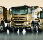 Designers have achieved a family likeness for all Mercedes-Benz 'heavies' – from nine to thirty three ton GVM they all have the same 'smile'