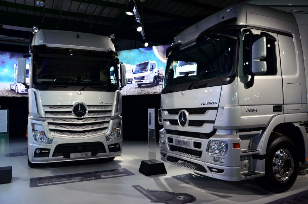 Mercedes benz claims a first on new truck offering for Maintenance mercedes benz