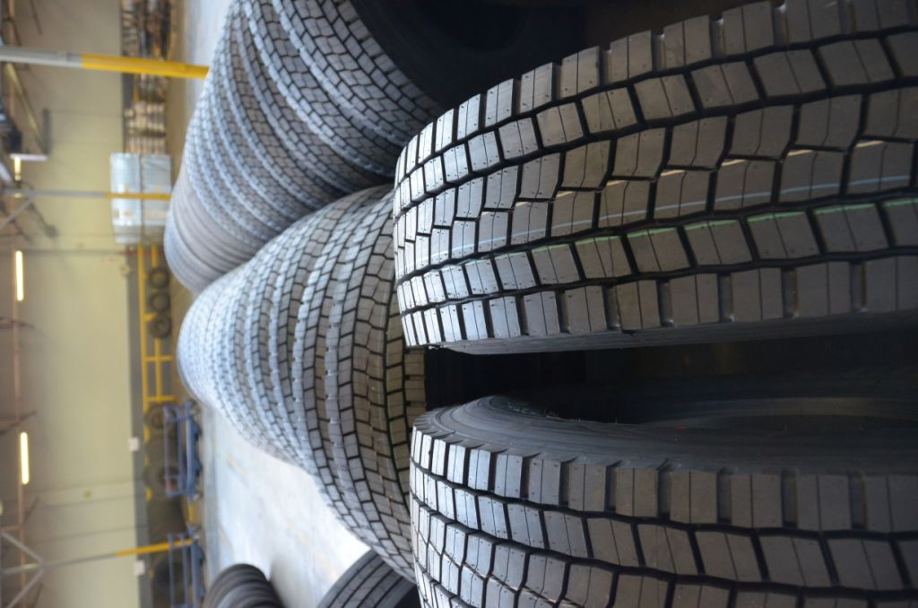 'dumped' on our market by Far Eastern countries. Apart from the economic issues, SATMC says there is also a safety issue as locally manufactured tyres – such as in this photograph -are specifically designed for the South African road and climate conditions, which make them safer and more durable.
