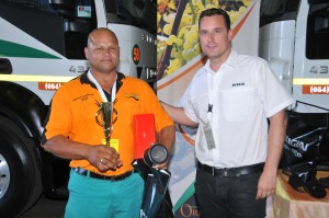 New managing director of Iveco South Africa, Eamonn Parker, out with his customers - this time presenting an award to one of the drivers in the Oranjerivier Tenkers Driver of the Year competition.
