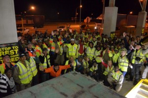 It's near the end of a long day – and night - and participants in the Brake & Tyre Watch event gather with Ismail Vadi (centre), Gauteng MEC for Roads and Transport, to celebrate a successful event.