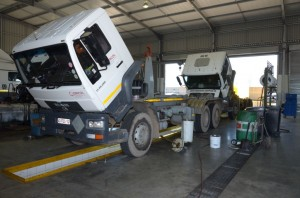 Back up service is given to all used used trucks by the dealer - 10 service bays, a wash bay and state of the art equipment is available to ensure vehicles receive top class service.