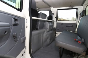 A large door opening makes entry and exit to the rear of the crew cab easy. There is also air conditioning and additional bottle holders in the rear section of the crew cab which can accommodate four occupants.