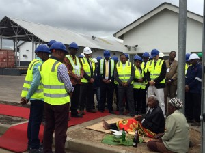 A traditional ceremony was held at the launch of the Beira Terminal in Mozambique to evoke the spirits of the ancestors and natives of the region attended by high dignitaries of the provincial government, city council, gas industry, contractors, customers and Engen International Business Division.
