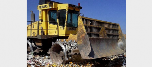 This huge grader makes its own statement of 'zero tolerance' as it destroys the counterfeit G.U.D. filters seized in Botswana. Plough them into the dirt where they belong. Yeah.