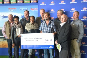 The R1-million cheque hand over – a fantastic donation from Engen – giving back to it's community.