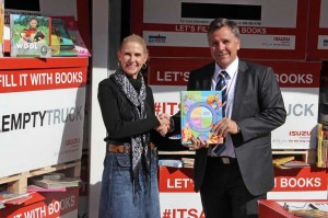 "At the end of the 22 day project, Lisa van Aswegen, Customer Care & Marketing Manager for Isuzu Truck South Africa, was able to hand over more than 38 400 books to Garth Wright, former Springbok and founder of 'IRONMAN 4 the Kidz'. As Craig Uren, COO of Isuzu Trucks, says: ""Each book brings us a step closer to driving a better South Africa."" Well, through this project, over 38 400 steps have been taken towards a better South Africa."