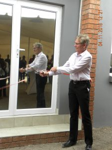 Ribbon cutting – Official opening of Queenstown satellite depot – Murray Bolton – CEO Cargo Carriers.