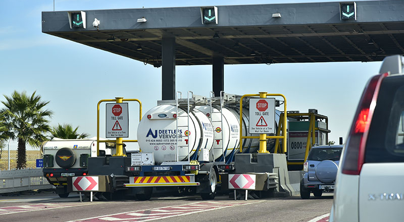 Trans African Concessions (TRAC) has started rolling out the automated Tag payment system on the N4 Toll Route. All the South African-based plazas on the TRAC N4 Toll Route will participate in the initial implementation phase until 28 February 2017.