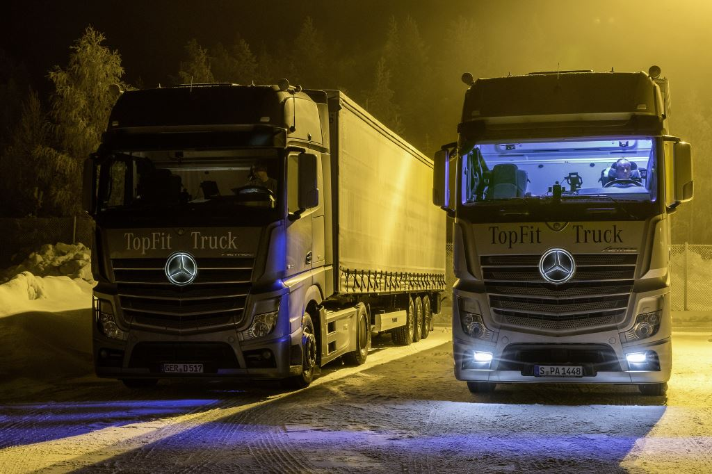 The truckers alternated between driving for one week in a truck cab with conventional lighting and for another week in a cab with a Daylight+ module that provides additional daylight while driving and during breaks.