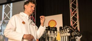 Andreas Schaefer, fuel scientist at Shell South Africa, used the launch function to explain the intricacies of the DYNAFLEX Technology incorporated in the new fuel launched by Shell. It's a complex blend with powerful cleaning agents to enhance performance and protect from deposits to maintain engine efficiency.