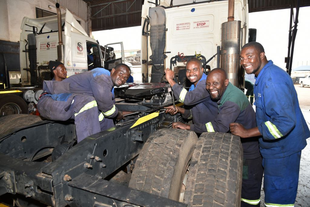 The Volvo International Service Training Awards competition is open to all countries. So c'mon SABOT, take Zimbabwe to the finals with your skilled technicians and show the world how it's done. SABOT's workshops in Harare are fully approved by Volvo Trucks.