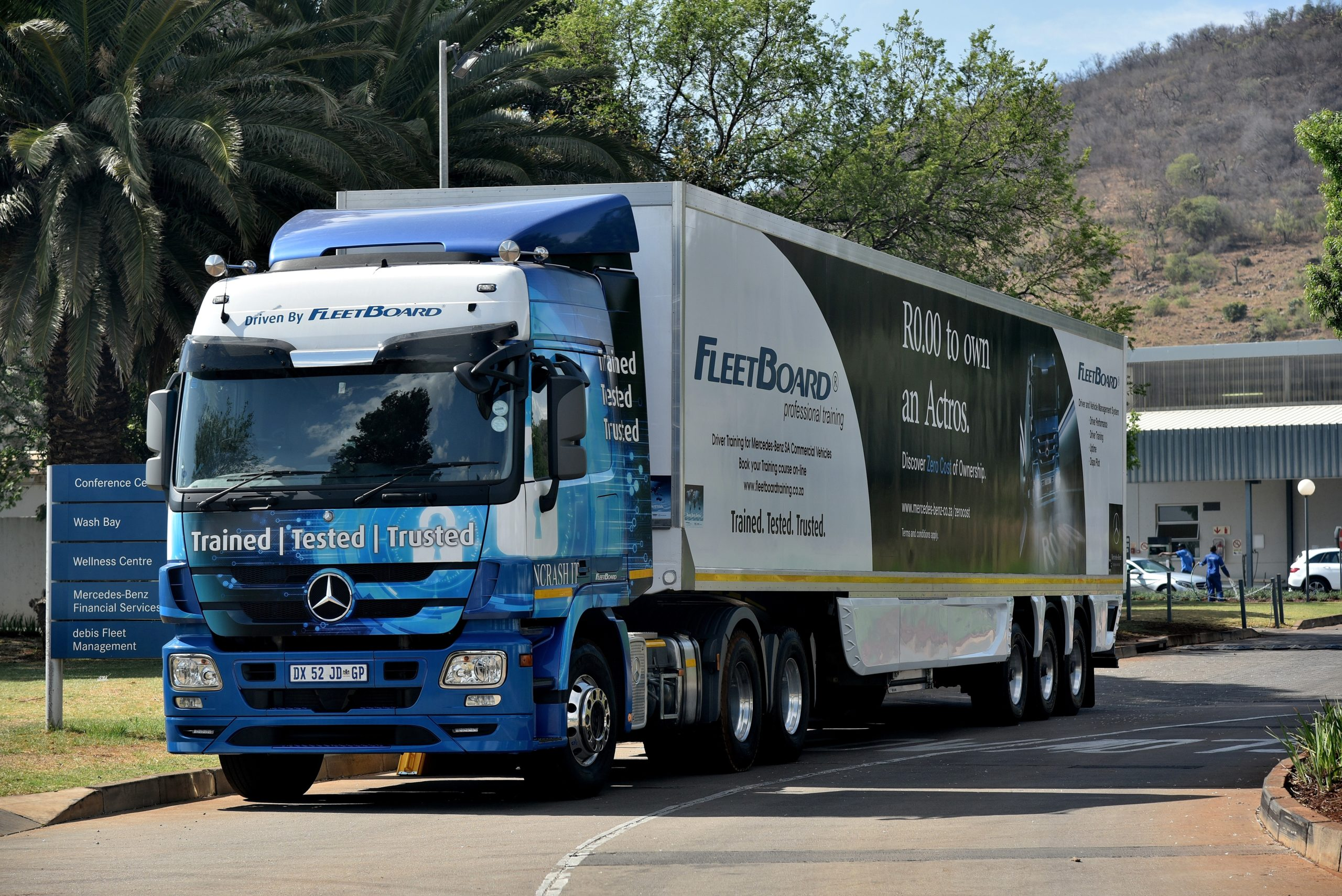 One of the magnificent rigs used in the FleetBoard Professional Driver Training programme. Mercedes-Benz Trucks is offering free driver training to 200 Mercedes-Benz truck drivers in support of the objectives of this year's National Transport Month. The training can be booked immediately, until the end of the year.