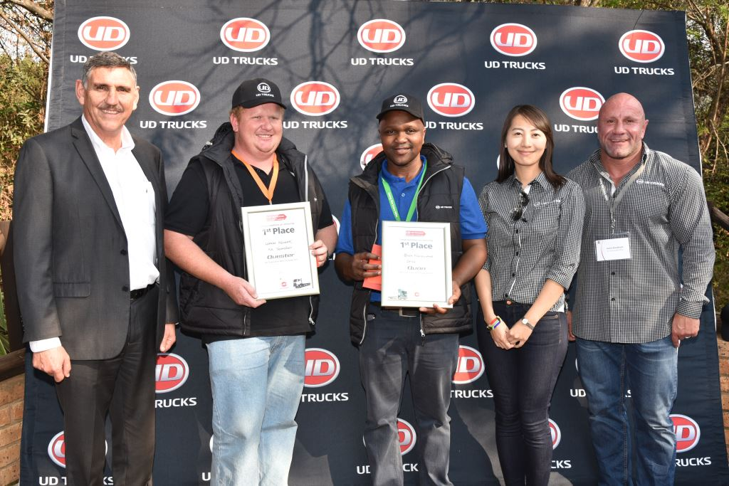 From left: Gert Swanepoel, (MD of UD Trucks Southern Africa) with happy winners, Lafras Kruger (Quester winner) and Buza Ngcelwane (Quon Winner). With them are Catherine Wang (UD Trucks Corporation) and Stefan Bronkhorst (UD Trucks GM Fleet Sales). Lafras and Buza will be representing South Africa in the global Extra Mile Challenge competition taking place in Japan in November 2017.