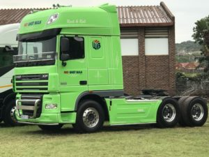 The DAF Design Centre in the Netherlands has given the XF105 a stylish appearance, while maintaining all its functional aspects. There is a choice of Space Cab and Super Space Cab, both with generous interior dimensions that are claimed by DAF to provide more living, working and storage space than any other truck in its class.