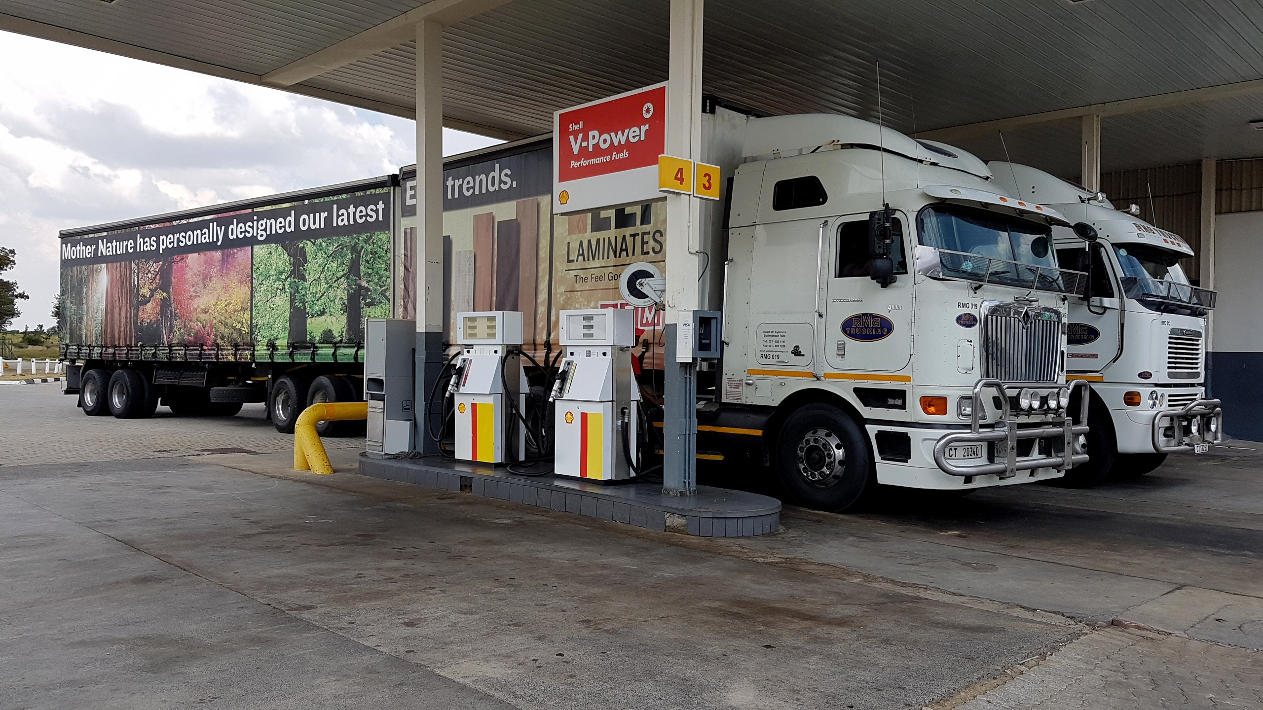 As a result of January seeing one of the strongest Rand performances in many months, South Africans can look forward to cheaper fuel prices in February. Diesel is set to drop by 17 cents a litre and petrol by 32 cents a litre according to the AA. This follows a year which saw some of the highest fuel prices in the country's history due to political events in the country. In other words, due to Zuma's awful shenanigans.