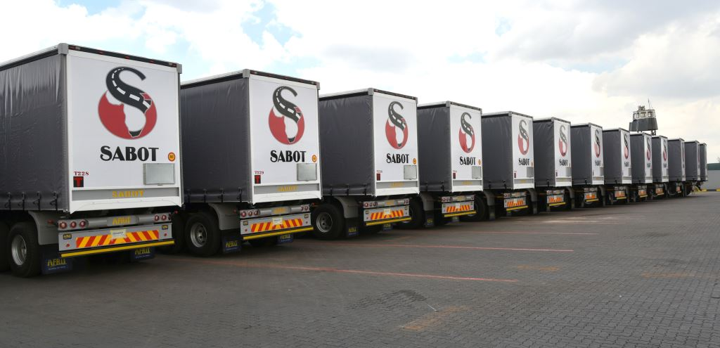 While we saw some significant orders for trailers being taken in South Africa during 2017 - such as this delivery to SABOT of 50 tautliners from Afrit - the scale of the southern African market is tiny compared to that of the Western European markets where trailer registrations reached over 190 000 last year, the third highest level of demand ever recorded.