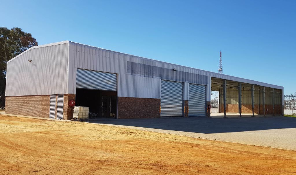 """The new Serco repair facility in Boksburg, Gauteng. It looks pretty simple in this photograph but there's a lot that's going to go on in this place. """"The significant investments made by Serco over these past few years reflect a commitment to offer the latest technology to the industry while striving to increase service delivery,"""" says managing director Clinton Holcroft."""