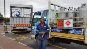 Hats off to this driver from Reatile Gaz for his high level of knowledge in the handling of his potentially explosive load. He was also well aware of the high level of responsibility which resides in his hands when out on the road.