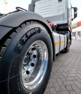 The MICHELIN X® MULTITM HD D is equipped with RFID microchip technology which makes it easy to manage and trace tyres along their lifespan and to monitor stocks and performance.