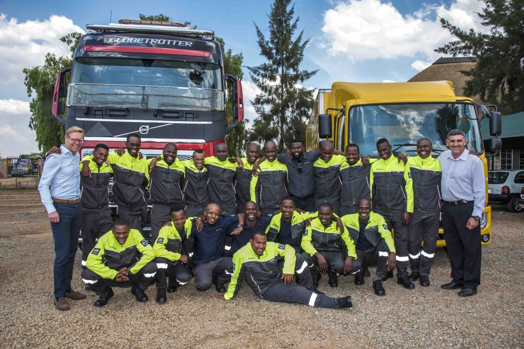 Marcus Hörberg, vice-president of Volvo Group Southern Africa (left) and Gert Swanepoel, MD of UD Trucks Southern Africa (right) with the learners and trainers of the newly-established Volvo Group Driver Learnership programme
