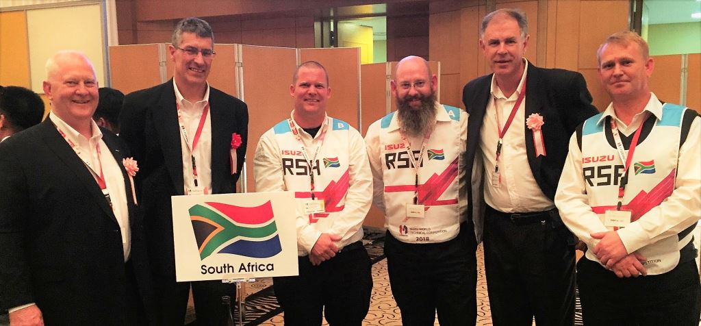 The happy Isuzu crew, from left: Craig Uren IMSA Executive Officer Sales, Service and Marketing; Michael Sacke, IMSA MD and CEO; Donovan Murray, Bates Shelly Beach technician; Miles Swanepoel, Isuzu Truck Centre Cape Town technician; Wayne Osborne, IMSA General Manager, Training and Organisational Development; and Stevan Smith, IMSA Field Service Engineer.