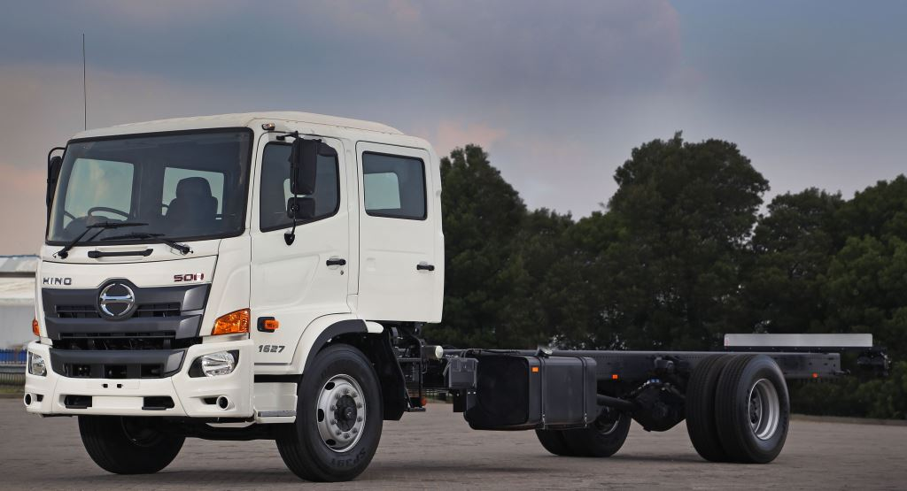Two Hino 1627 Crew Cab derivatives are available - one with a 6-speed manual gearbox and the other with a 6-speed Allision automatic transmission.