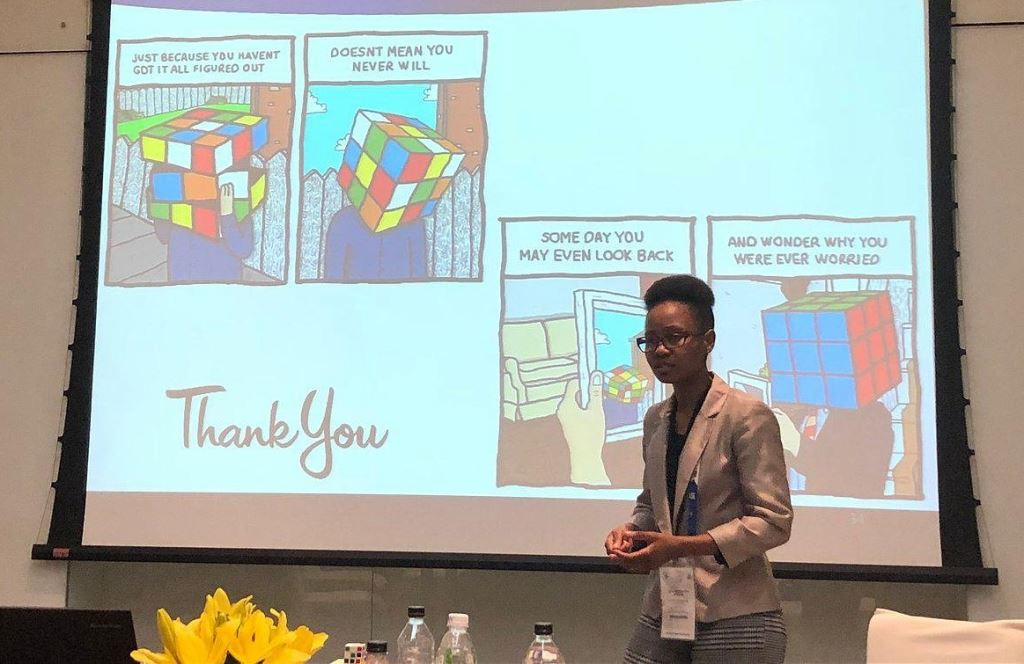 For her 15-minute final-phase presentation, Tjaka Segooa used the Rubik's Cube as a metaphor for freight forwarding, associating the six sides of the cube with the six main elements of international trade transactions.