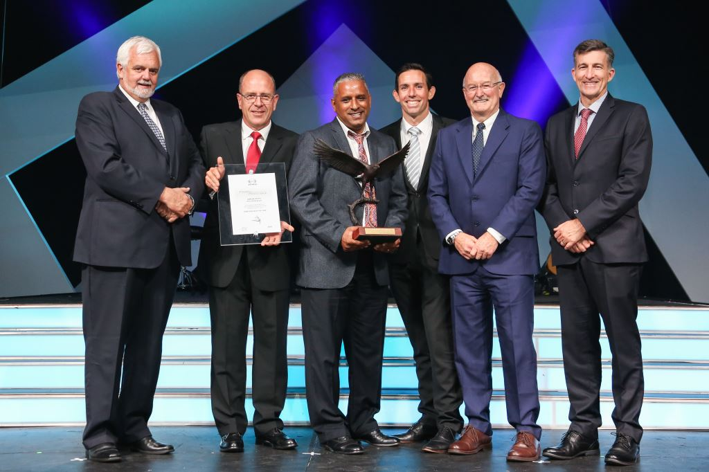 Seen at the award of the Hino Dealer of the Year trophy for 2018 are (from left): Calvyn Hamman, Senior Vice President Toyota SA; Casper Kruger of the Halfway Motor Group; Gansen Chetty, Dealer Principal of Hino Shelly Beach; Shane Grant, Toyota Group MD at the Halfway Group; George Baikie, Chairman of the Halfway Group; and Andrew Kirby, President and CEO of Toyota SA.