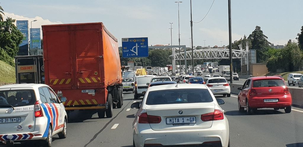 Look at this photograph of a typical day on the N3 in Johannesburg and you will see a mixture of cars, bakkies, vans, medium and large trucks. How many of these belong to smaller businesses and are out there on their own with no fleet management systems in place to enable their companies to reduce costs and increase efficiencies? Cartrack and the National Small Business Chamber have partnered to provide telematics solutions to such businesses.