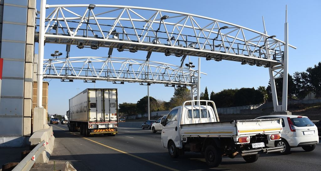 """There is not now - nor will there ever be - a collection system based on the gantries and Electronic Toll Collection's model of collection that will work,"" says the AA."