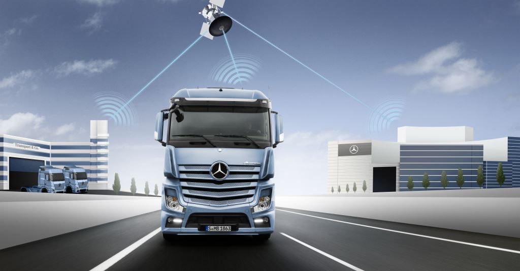 Mercedes-Benz Uptime operates via fully automatic telediagnosis which continuously checks the status of the vehicle in real time, allowing critical conditions to be detected at an early stage.