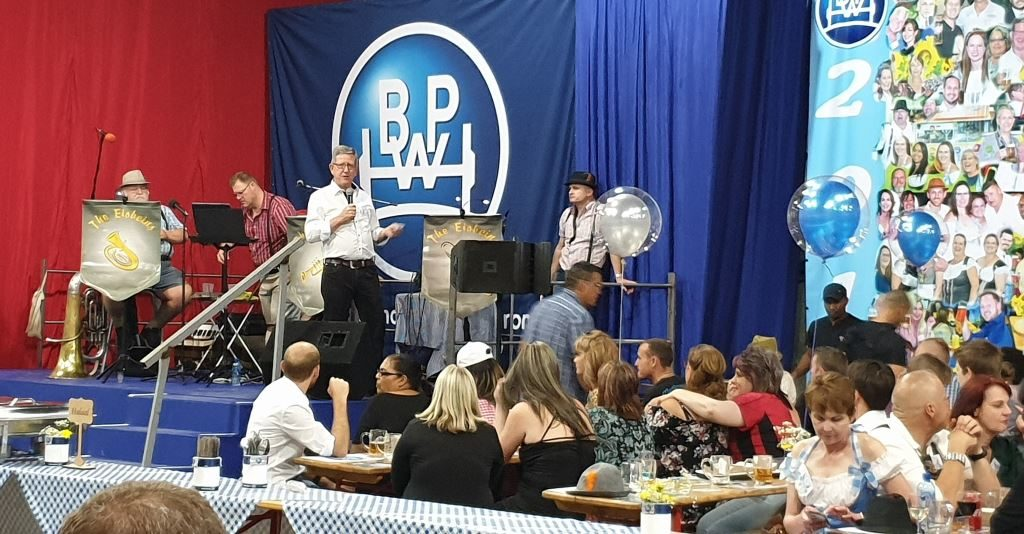 Backed by an Oompah Band and fronted by guests, Andre Cilliers, managing director of BPW Axles, tells the success story of BPW achieving record axle sales over the past two years which, for the first time, exceeded the quantities recorded prior to the financial crisis of 2008/9.
