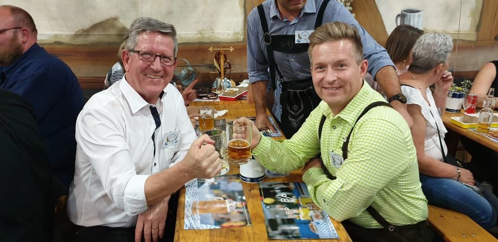 Andre Cilliers (left), MD of BPW Axles, celebrates success with Achim Kotz, Managing Partner of BPW Bergische Achsen KG, who is the 5th generation member of the family which founded the business way back in – wait for it - 1898. It remains a family business to this day.