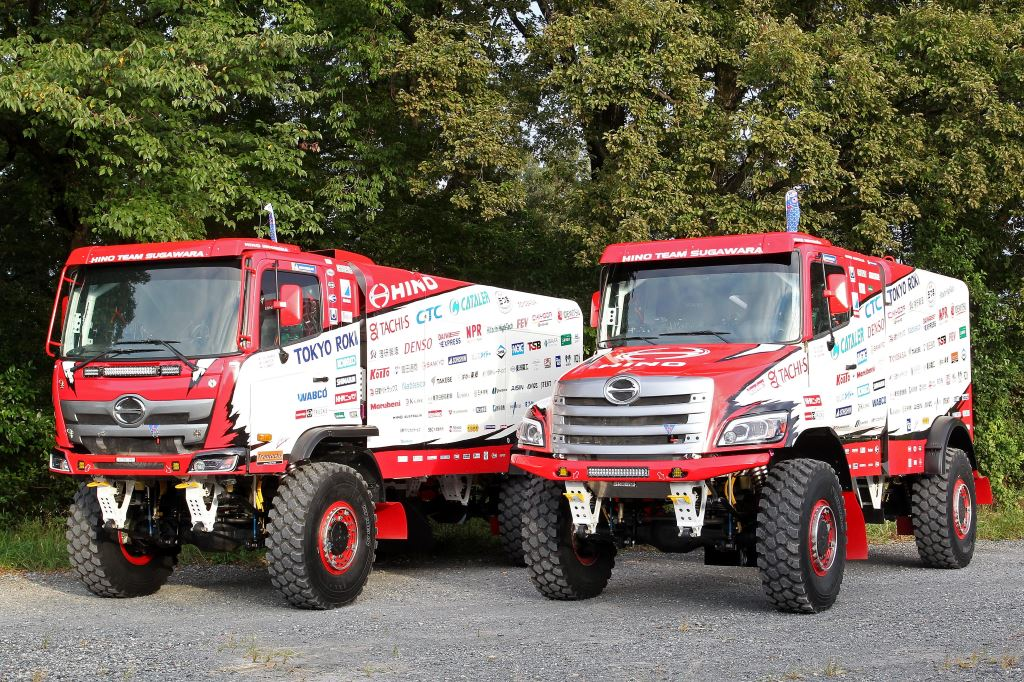Hino is mounting a two-pronged attack in the the 2020 Dakar Rally with two different looking trucks. Both share the same mechanicals. One, the 500 Series (left), has the usual forward control cab - as sold in South Africa - while the second, a 600 Series, is a bonneted version which is sold only in the United States. Both trucks are powered by 9-litre, turbocharged, six-cylinder engines producing 750 bhp (550 kW) and 2 300 N.m of torque.