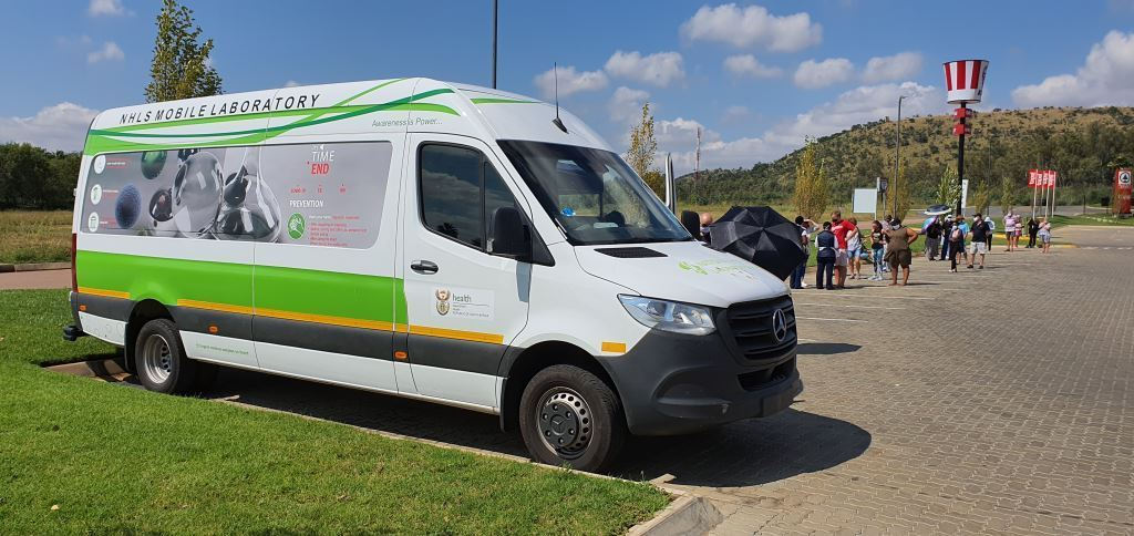 One of the 60 new Sprinter 516 models specially converted to conduct COVID-19 testing. It was seen here at the Islands shopping centre in Broederstroom. FleetWatch wishes all who ride and work in them the very best of luck and success in the fight against this devastating coronavirus.