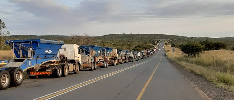 Another day of time and money lost in a queue. As FleetWatch pointed out in a post on our Facebook page on May 21st, the standing costs alone of the 374 trucks which were in the queue on May 20th amounted to around R1,9-million per day. That's just standing costs - money that is lost forever. It can never be recovered. When the wheels don't turn, the trucks don't earn. They lose. Everyone loses.