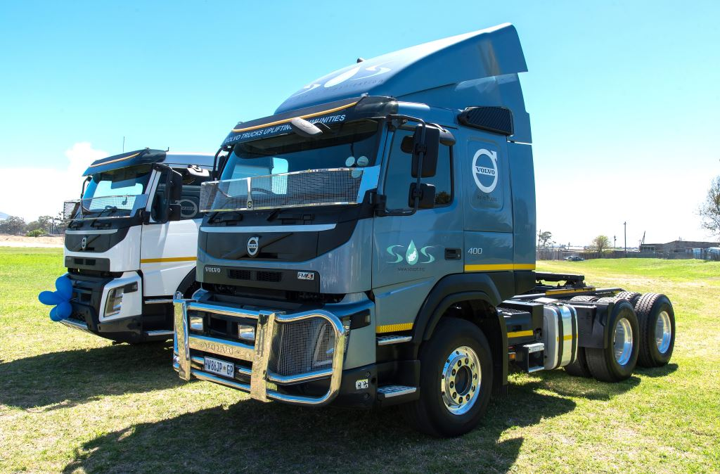 The two Volvo FMX models donated to the SOS Water on Wheels project.
