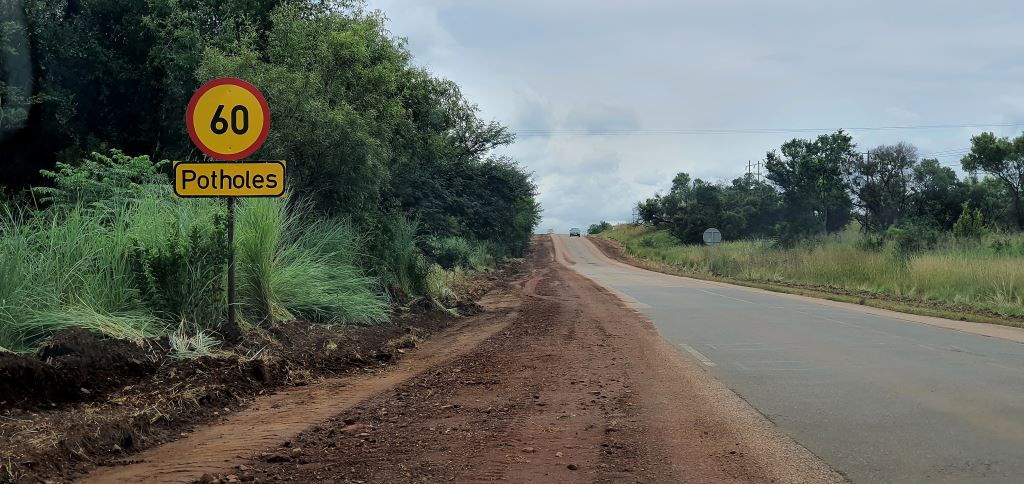 The Southern African Bitumen Association has stated that the condition of SA's road network varies between transport authority and type of road. It reports that since 2017/18, the condition of many provincial roads and gravel roads have worsened.
