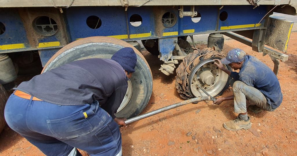 Many truck operators no longer carry spare tyres on their trucks due to them being stolen. When a tyre bursts, a service crew has to travel to the scene with a replacement tyre. That is more cost and time wasted. Potholes are costing truckers and motorists millions of Rand in losses