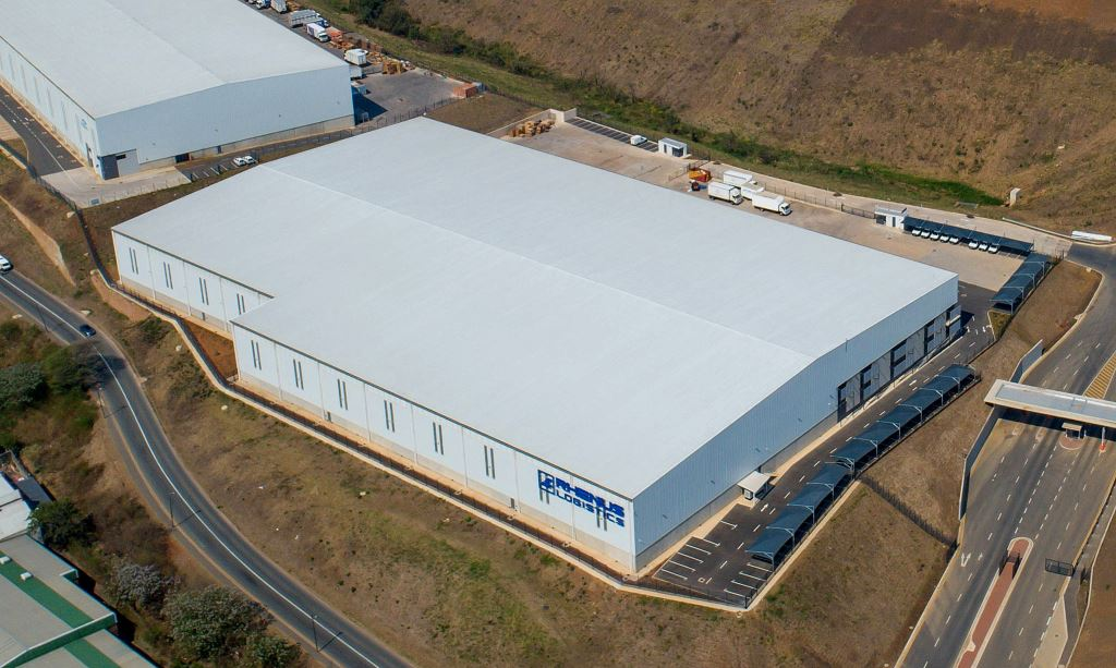 Rhenus South Africa is expanding its storage space and diversifying its warehouse operations. The warehouse includes 1 250 square metres of bulk handling area and 5 823 racked pallet positions.